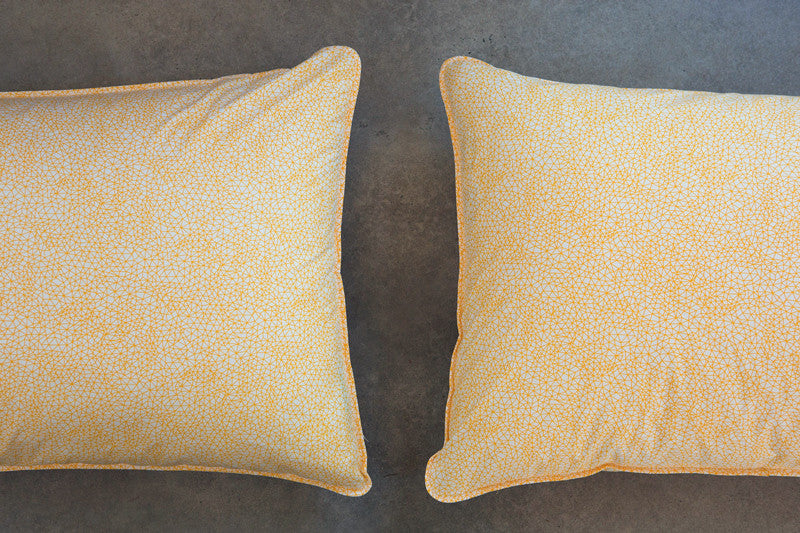 w-yellow-pillows