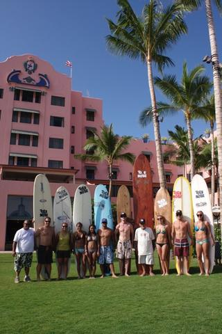 Team Toes Wakiki surfshop
