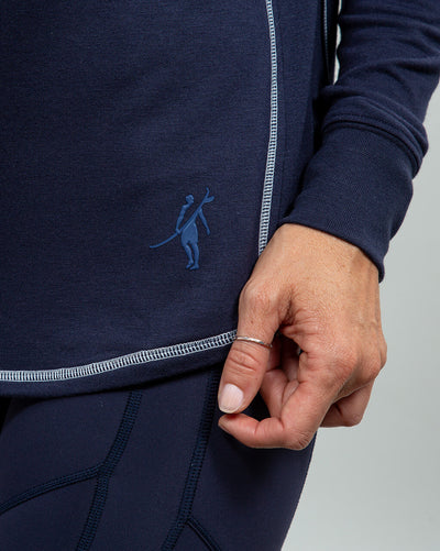 Barrel Quarter-Zip Women's (Sea Silk) Navy logo detail