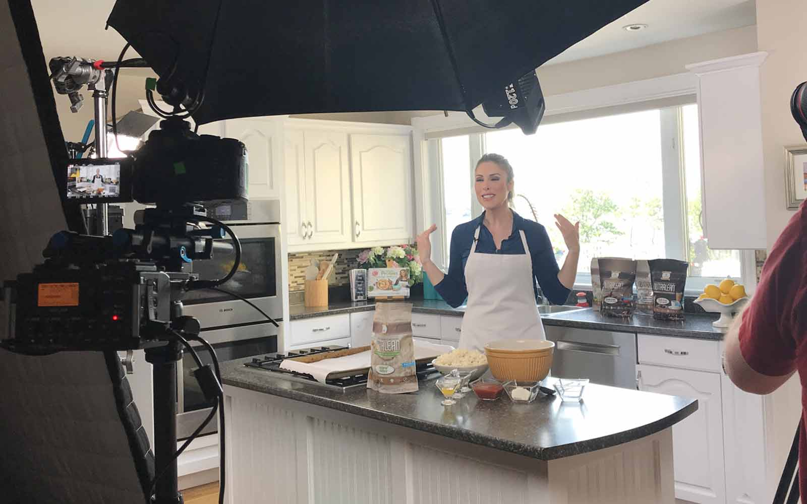Melanie's Kitchen: No-Bake Healthy Holiday Treats! Live Video!