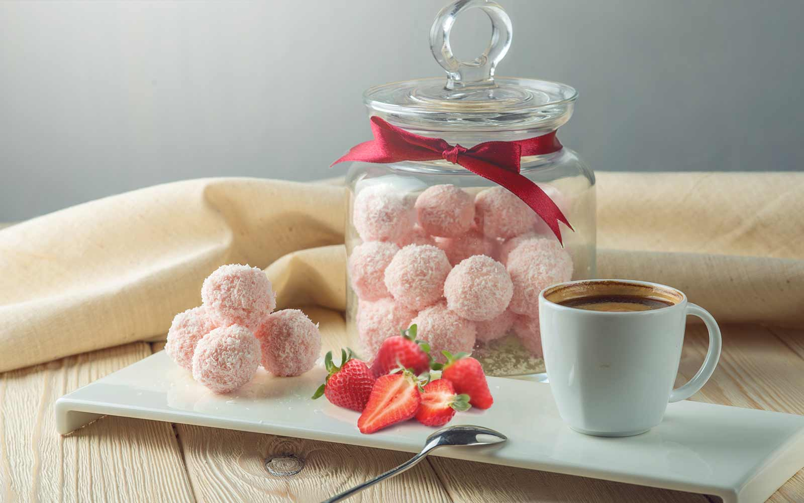 Sugar Free Strawberry Protein Bites