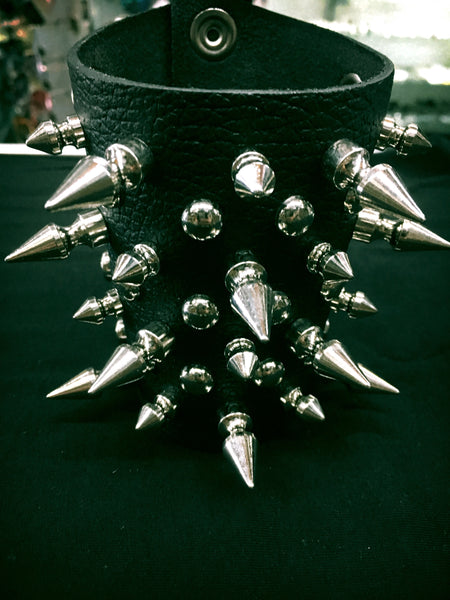 Large Spike , Small Spike And Pearl Studs