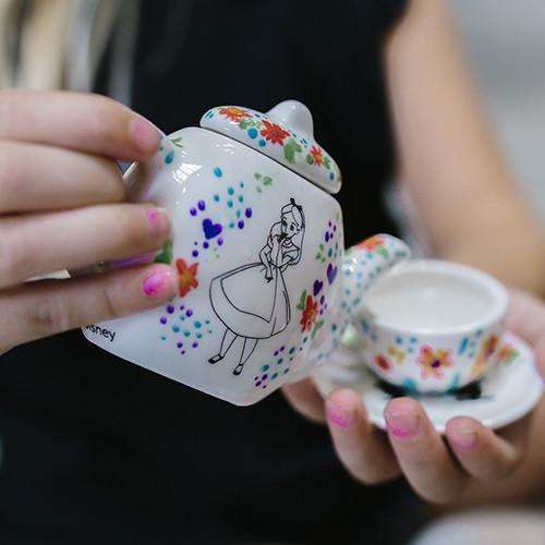Alice in Wonderland: Design Your Own Tea Party Set by Disney & Seedling