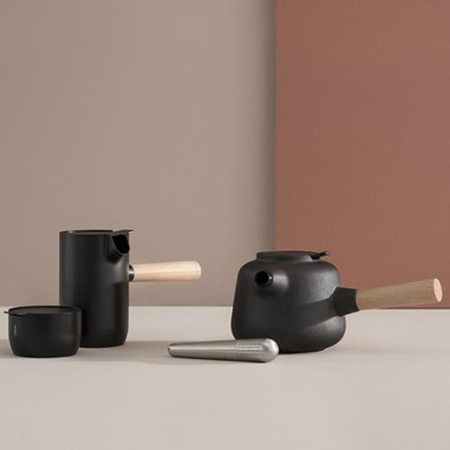 Collar Teapot by Stelton