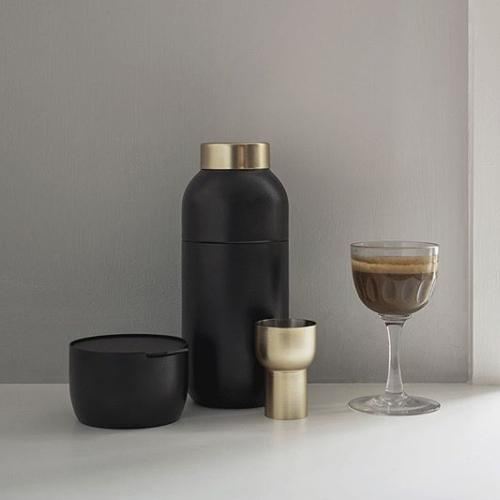 Collar Cocktail Shaker & Measuring Cup Set by Stelton