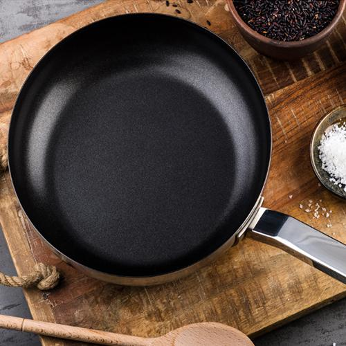 Stile Non-stick Frying Pan by Pininfarina and Mepra