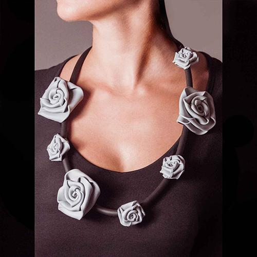COLLROSA2 Neo Neoprene Rubber Rose Necklace by Neo Design Italy