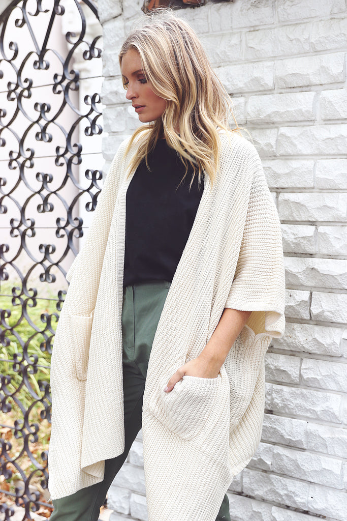 Hanging Out Cardigan / Beige