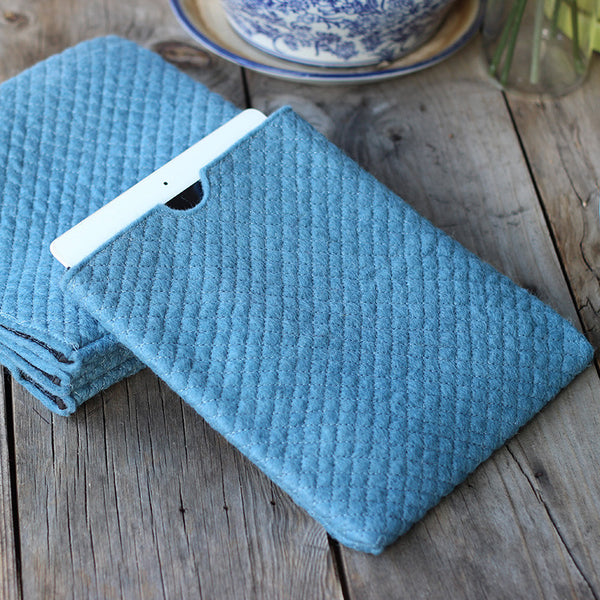 felt ipad cover sky blue
