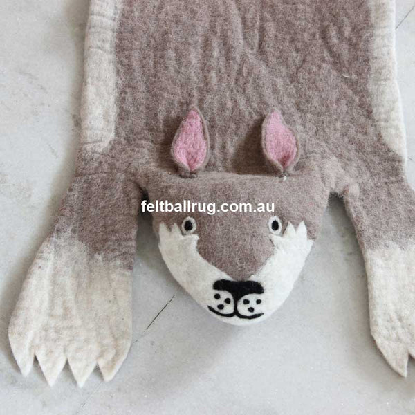 animal felt rug rabbit