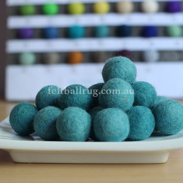 Felt Ball Mint Green 1 CM,  2 CM, 2.5 CM, 3 CM, 4 CM Colour 46 - Felt Ball Rug Australia - 1