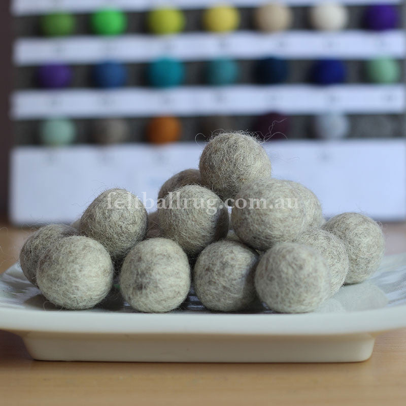 Felt Ball Warm Grey 1 CM,  2 CM, 2.5 CM, 3 CM, 4 CM Colour 51 - Felt Ball Rug Australia - 1