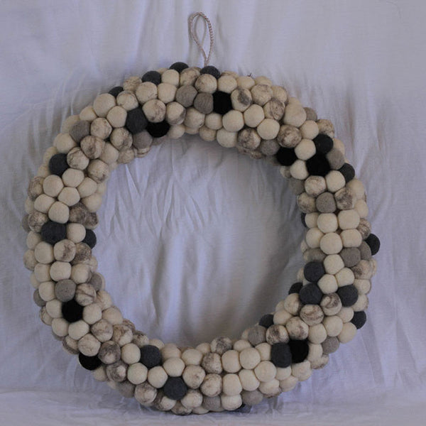 Felt Christmas Wreath Natural