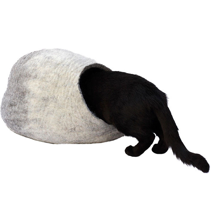 Banzo White Felt Cat Cave