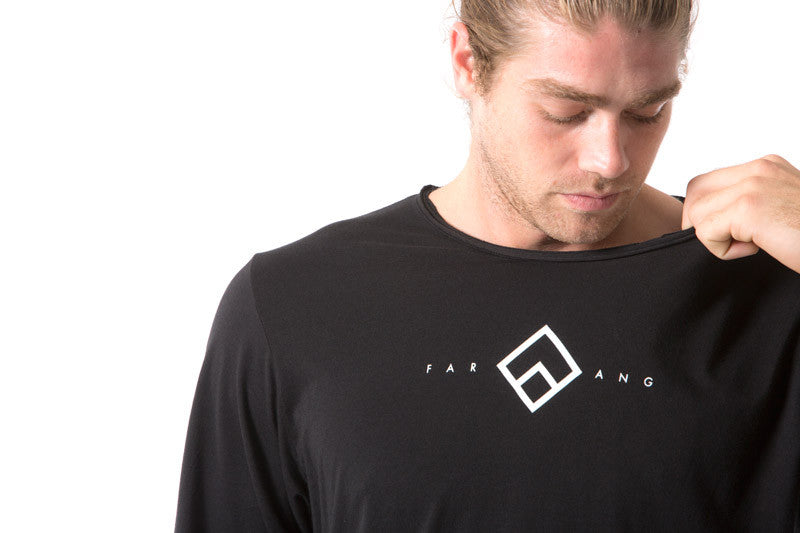 CENTRAL - TEE - (BLACK)