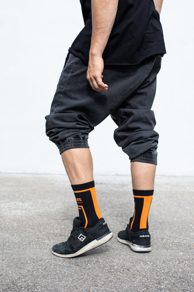NO MISTAKES - SOCKS - BLACK/TANGERINE