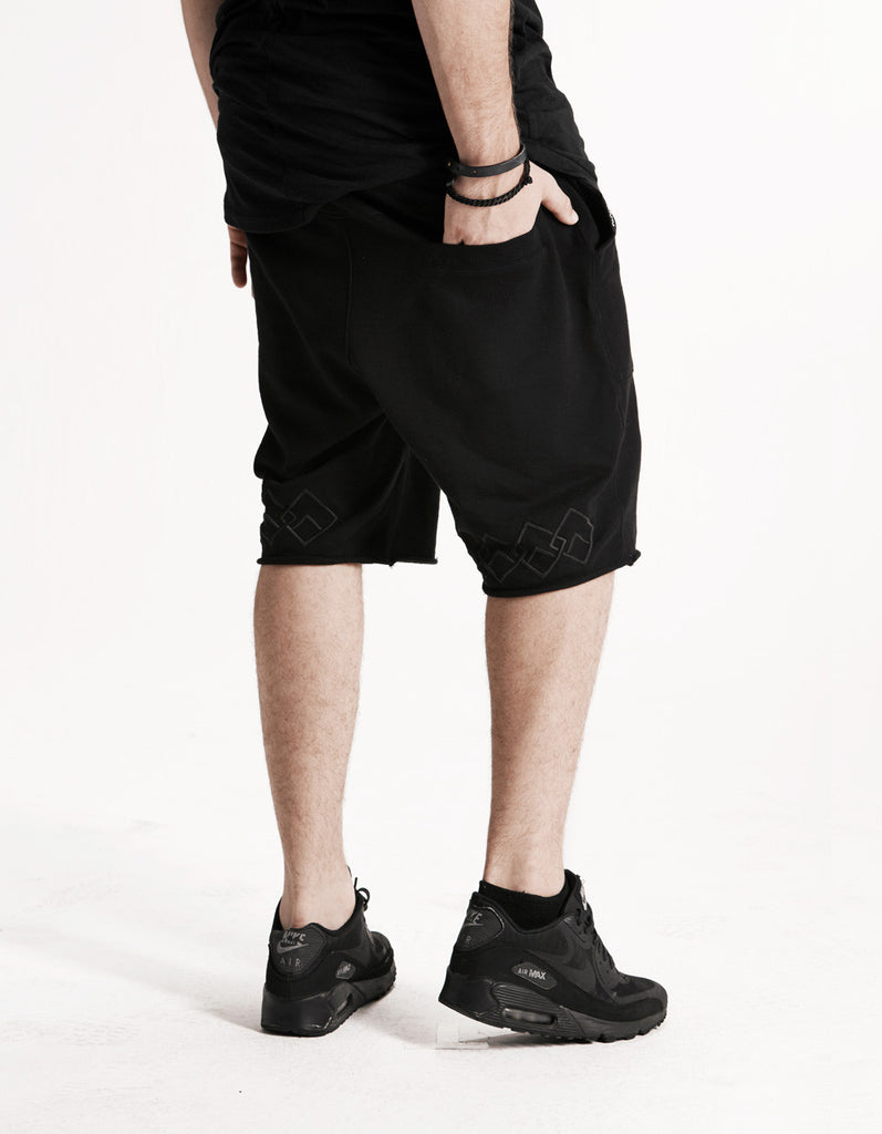 LOGO CHAIN - SHORTS - (BLACK ON BLACK)
