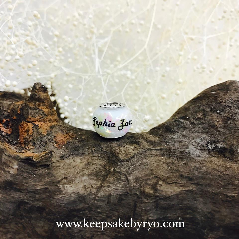BREASTMILK CHARM WITH HOLOGRAPHIC FLAKES