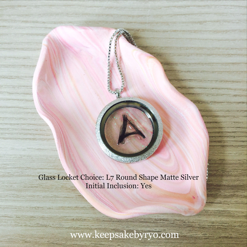 HAIR INITIAL GLASS LOCKET