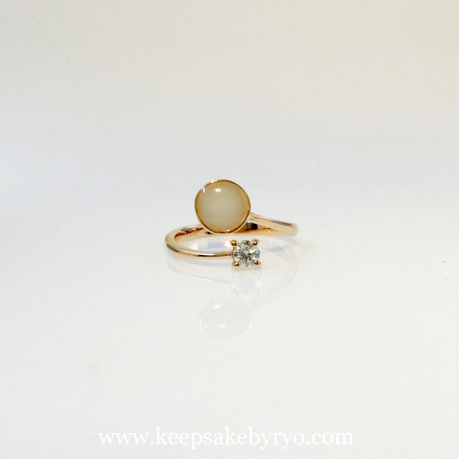 HEIRLOOM MOTHER AND CHILD RING 18K GOLD WITH DIAMOND