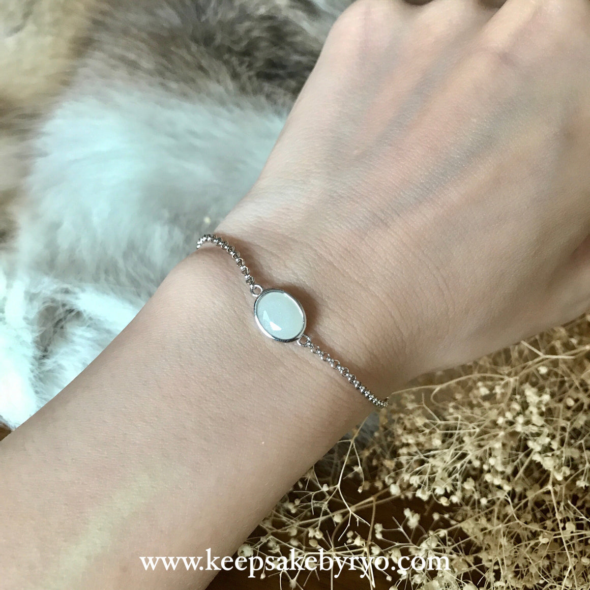 SOLITAIRE GOLD: BREASTMILK BEZEL BRACELET