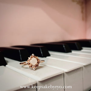 SOLITAIRE 18K: LARA BREASTMILK RING