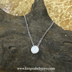 SOLITAIRE: BREASTMILK BEZEL PENDANT NECKLACE