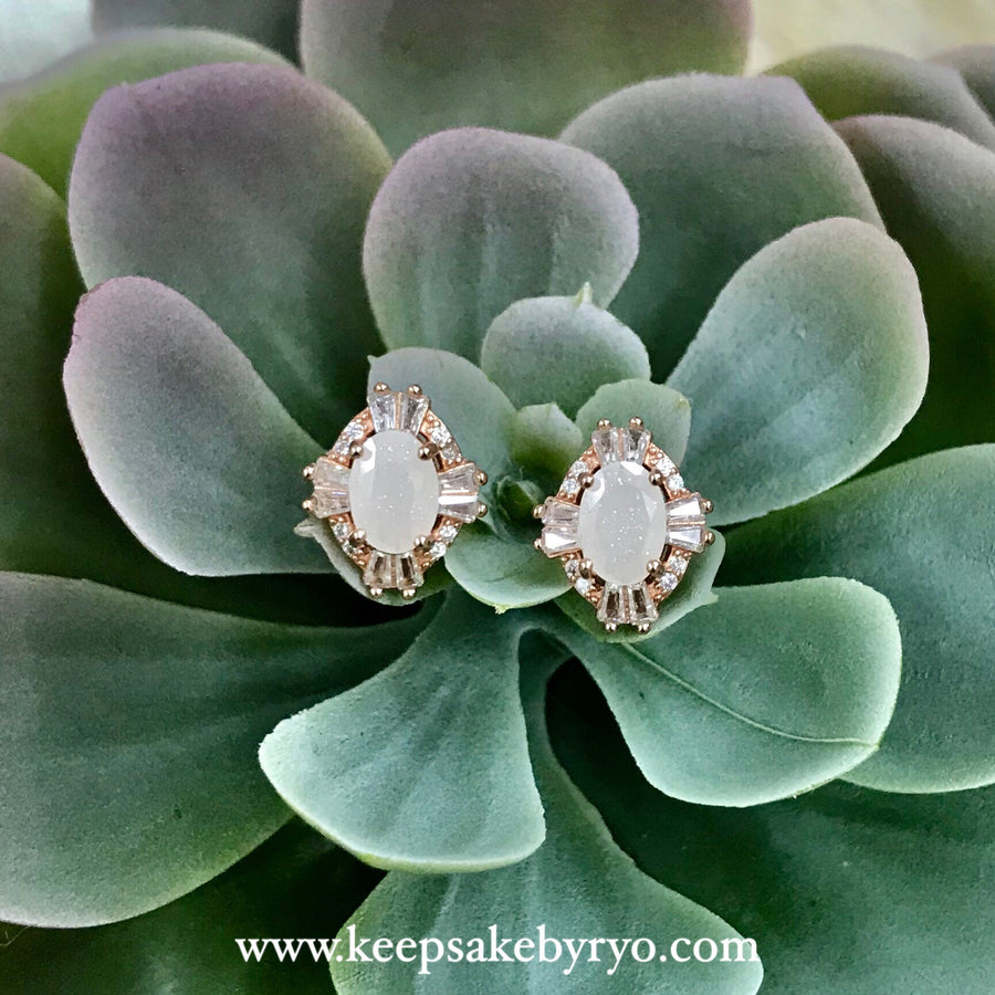 SOLITAIRE 18K GOLD: ART DECO EAR STUDS
