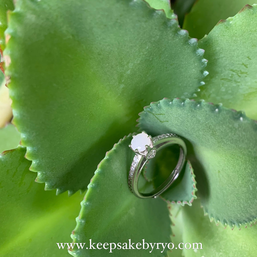 SOLITAIRE: ABIGAIL HEART BREASTMILK RING