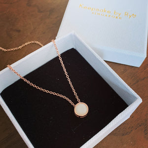 SOLITAIRE 18K GOLD: BREASTMILK BEZEL PENDANT NECKLACE