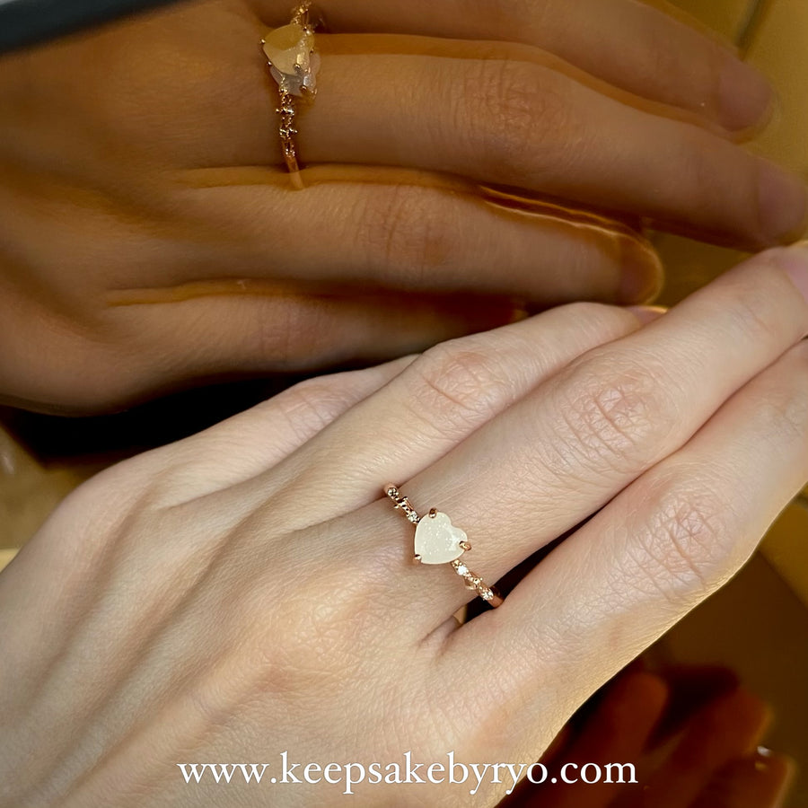 SOLITAIRE: ALTHEA RING WITH BREASTMILK SOLITAIRE