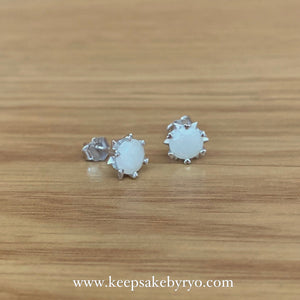 SOLITAIRE 18K: STARBURST HEARTS BREASTMILK EAR STUDS