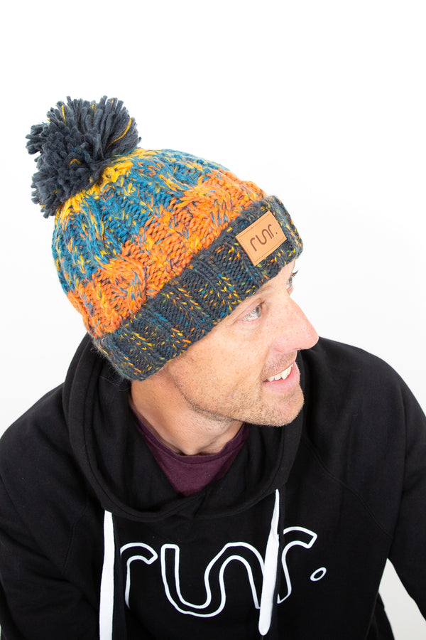 Runr Winter Bobble Hat - Retro Blues