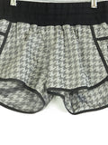 LULULEMON ATHLETICA Women Black Grey Houndstooth Athletic Sports Wear Shorts 8
