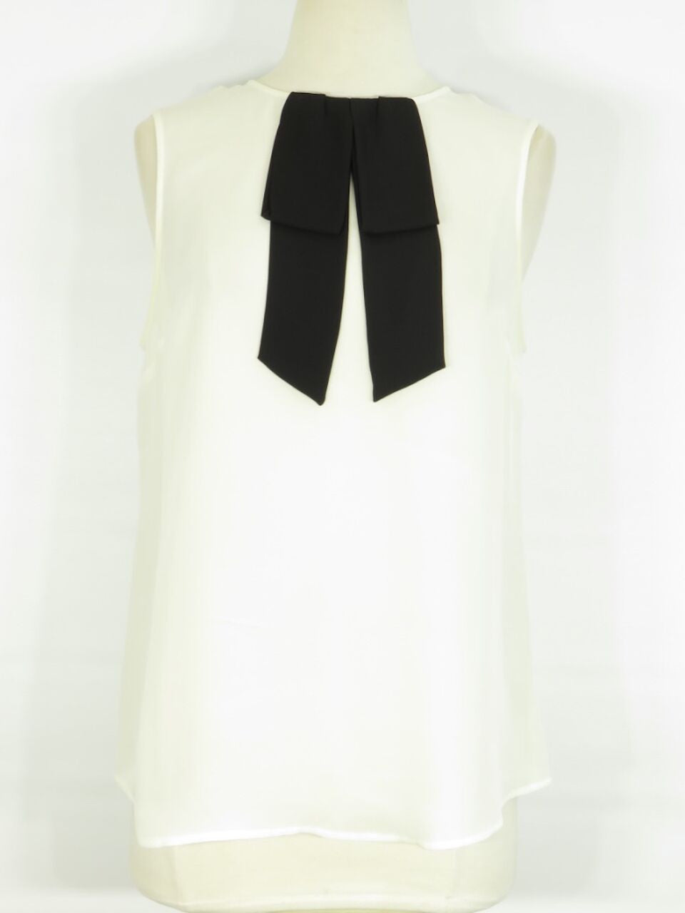 a563632daf1c03 THEORY Women White Sleeveless Black Bow Tie Button Down Top Shirt M. Theory  Lorena s WORTH