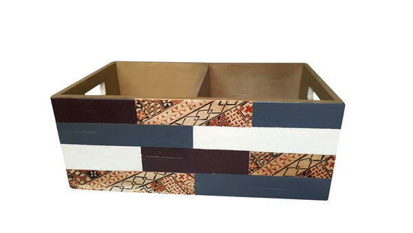 Wonderful Magazine Rack - hand-painted : Hand painted with water base paint  PN75