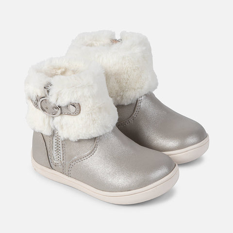 42832 Faux fur lined ankle boots