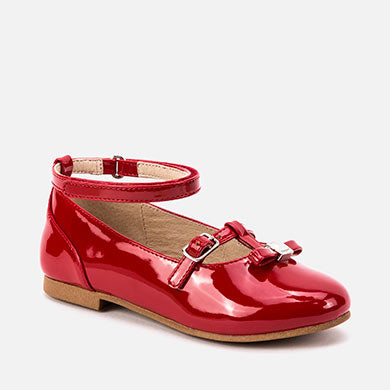 46013 Patent leather buckle shoes