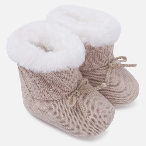 9626 Baby knit pram boots with faux fur