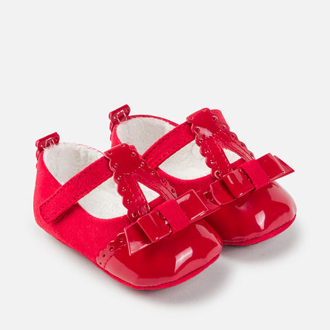 9641C Baby girl leatherette pram shoes