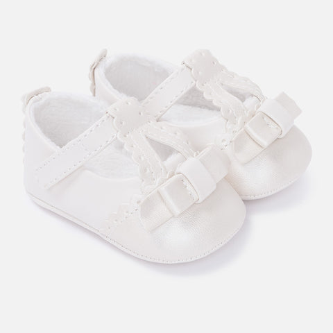 9641W Baby girl leatherette pram shoes