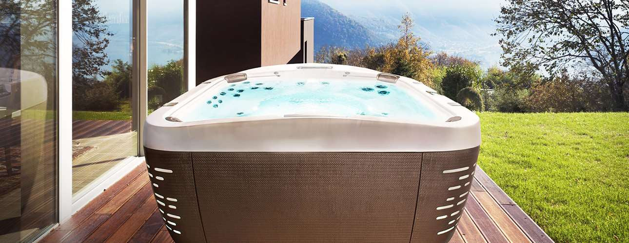 6+ Person Hot Tubs from Spa Palace Colorado Springs, Highlands Ranch, Pueblo, Westminster, Fort Collins, and Parker, Colorado