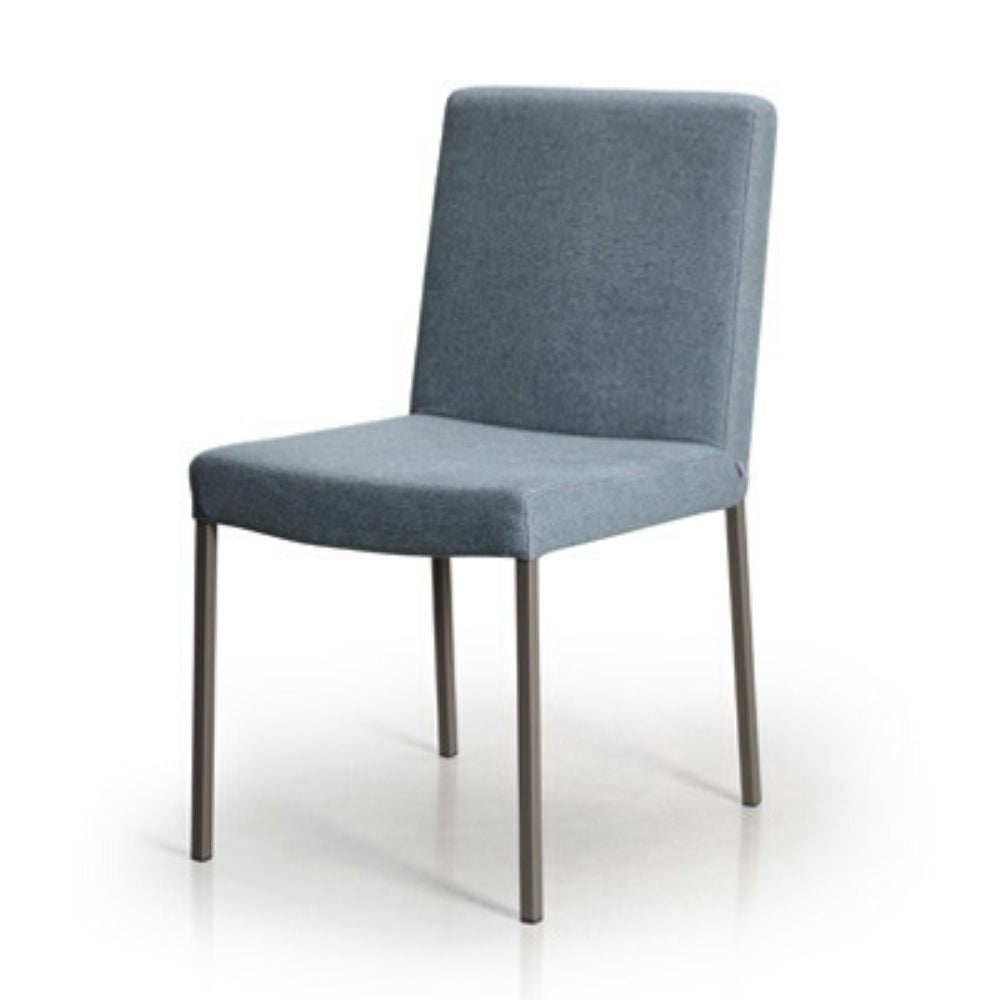 Nube Dining Chair