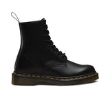 1460 M 8 EYE BLK LTHR LACE UP BOOT