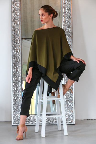 Tropez Poncho Chesterfield Green w/ Noir Trim