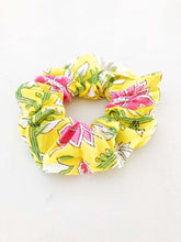 Load image into Gallery viewer, Tropic Scrunchie - ErinMade