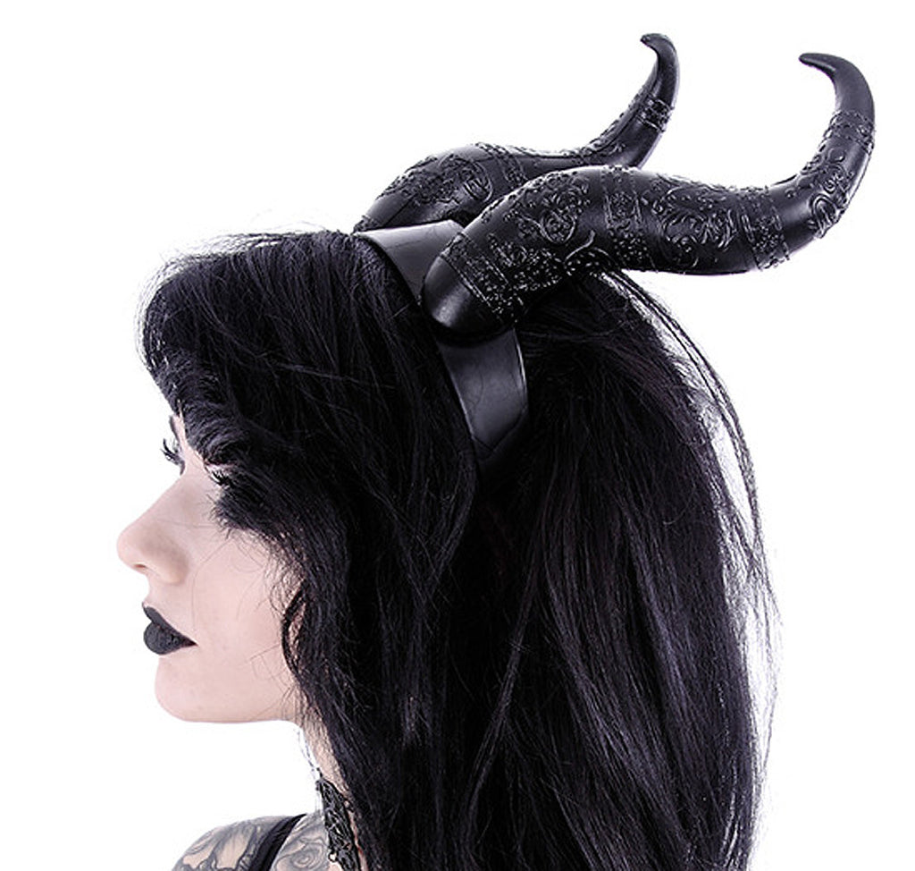 Side image of horns on model