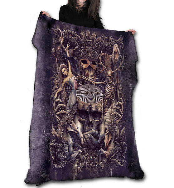 Wild Star - LABRYNTH Fleece Blanket / Throw / Tapestry