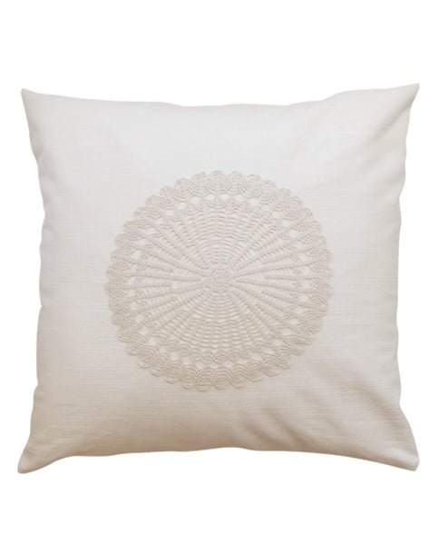 Linen cotton cushion cover with crochet doily, made in Montreal - Shopping Blue