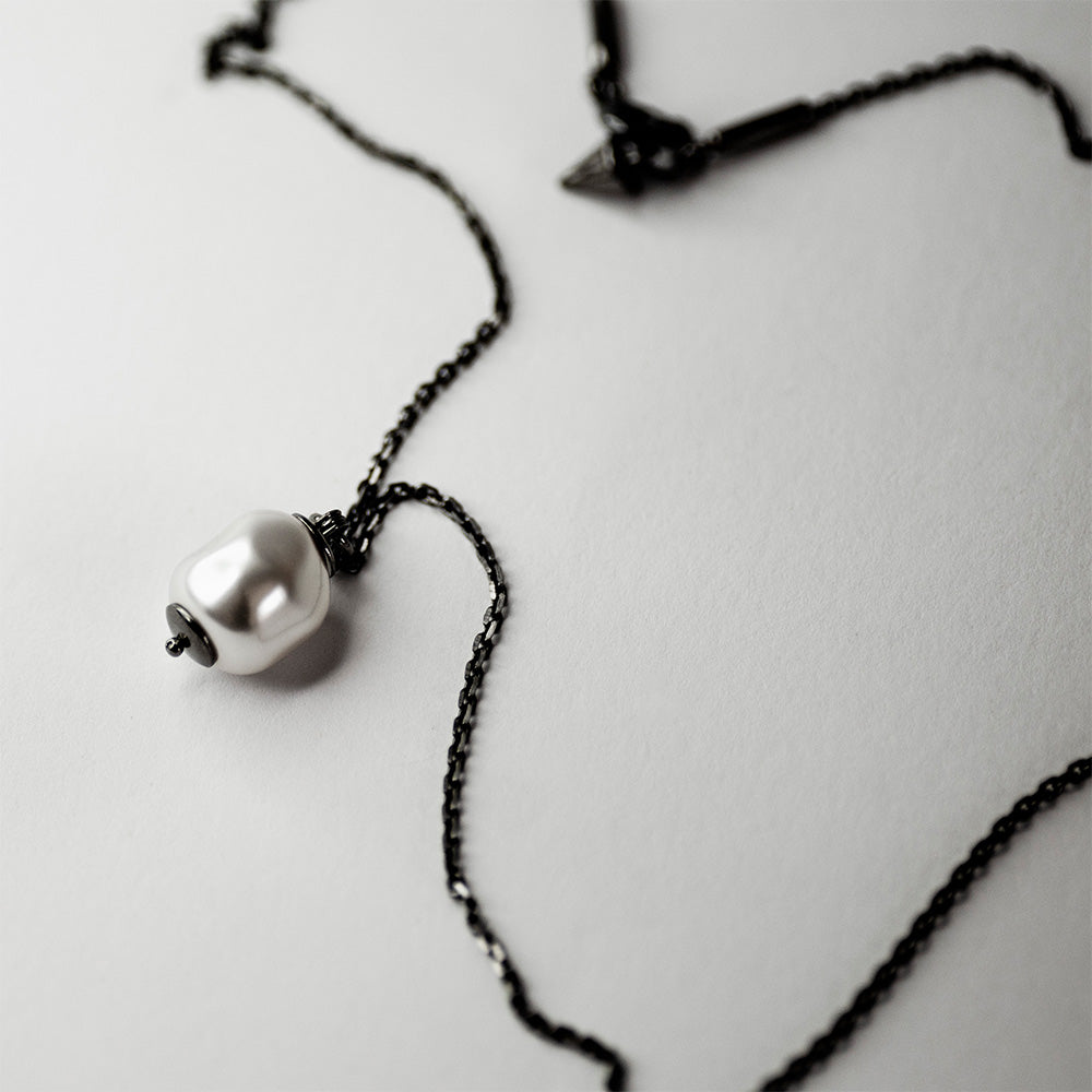 BAROQUE PEARL NECKLACE - SILVER